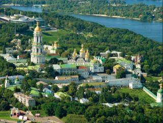 ウクライナ・キエフ・ドニエプル川2.PNG