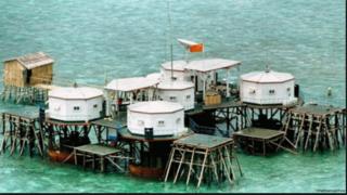 南シナ海・スカボロー礁.PNG